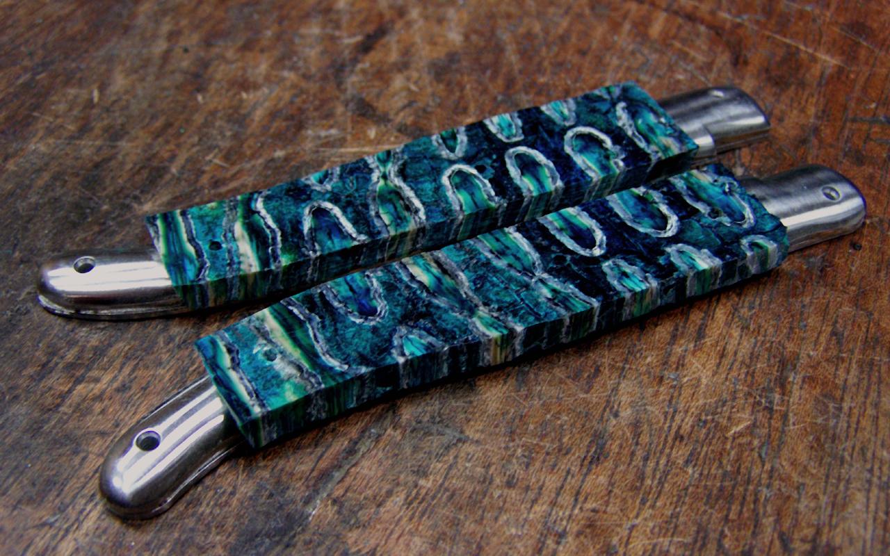Couteau Laguiole molaire de mammouth et damas japonais