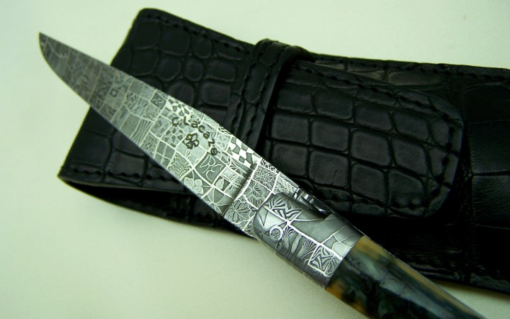 Mosaic damascus blade knife Moss ivory crust handle
