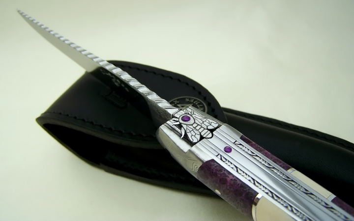 Laguiole knife coral and silver handle 925 with ivory insert of mammoth bee cisele with Amethystes