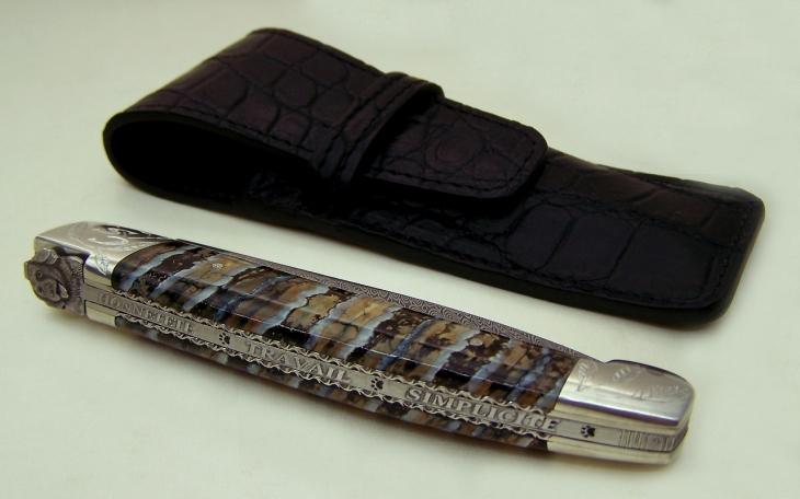 Couteau motif chien lion d occitanie manche en molaire de mammouth et mitres argent massif 925