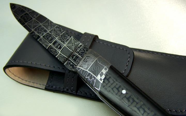 couteau d'art exception, lacaze CL 01 lame damas mosaique, manche en fibre de carbone et mitres en acier damas