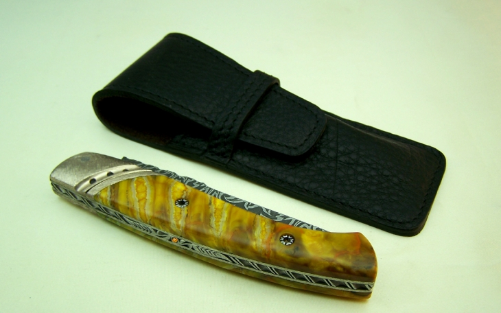 Art knife CL01 with chiseled spring oak leaves and diamonds mammoth molar handle