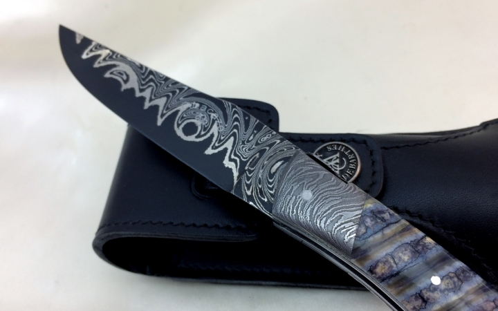 Corsican art knife, Damascus steel blade, Mammoth molar handle, Moorish head, engraving leaves