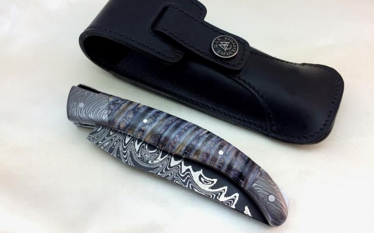 Couteau d'art laguiole 13 cm lame damas carbone manche molaire de mammouth et mitre damas