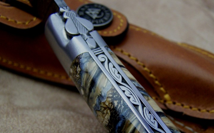 Couteau Laguiole 12 cm molaire de mammouth et lame damas carbone